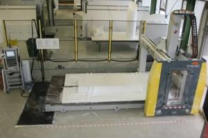 CNC-Fräse und Montagehalle